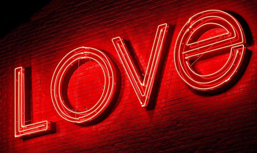 Love Valentine's Day Sign